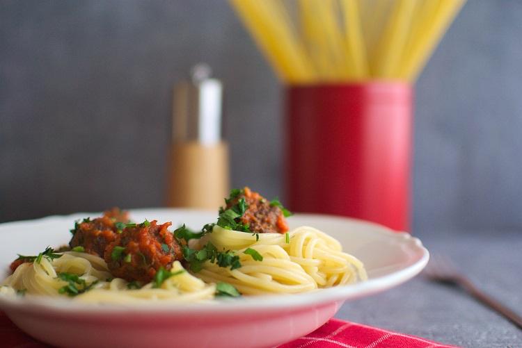 spaghetti-i-klopsiki Spaghetti z klopsikami