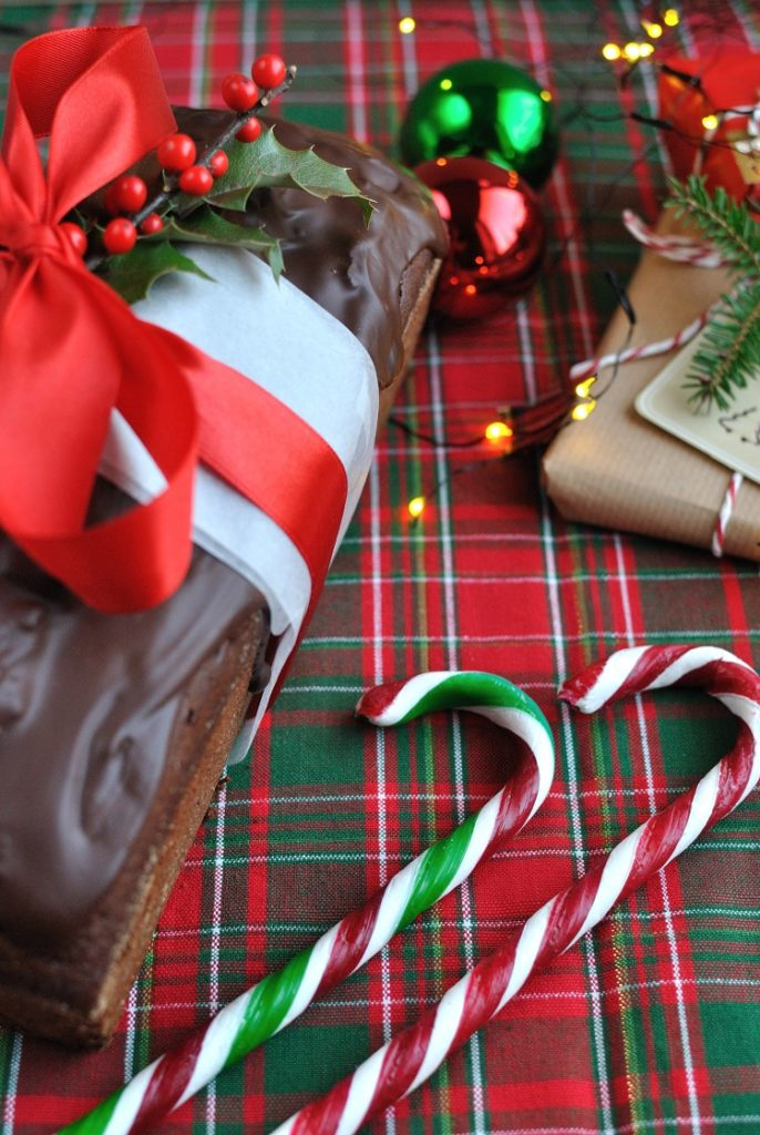 DSC_2303-686x1024 Piernik czekoladowy z suszoną śliwką i imbirem
