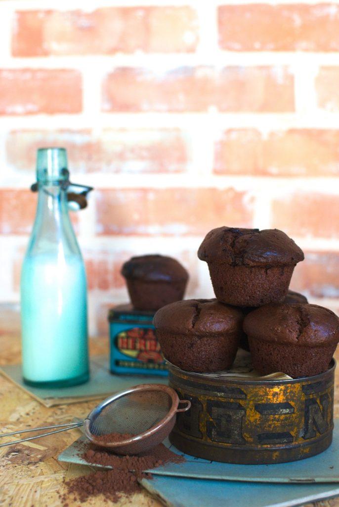 muffina-686x1024 Czekoladowe muffinki z wiśniami