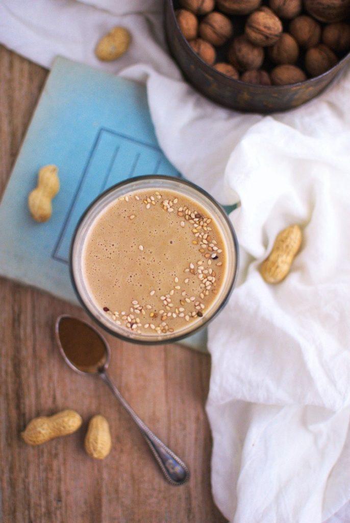 koktajl-686x1024 Koktajl bananowo - orzechowy z kawą zbożową