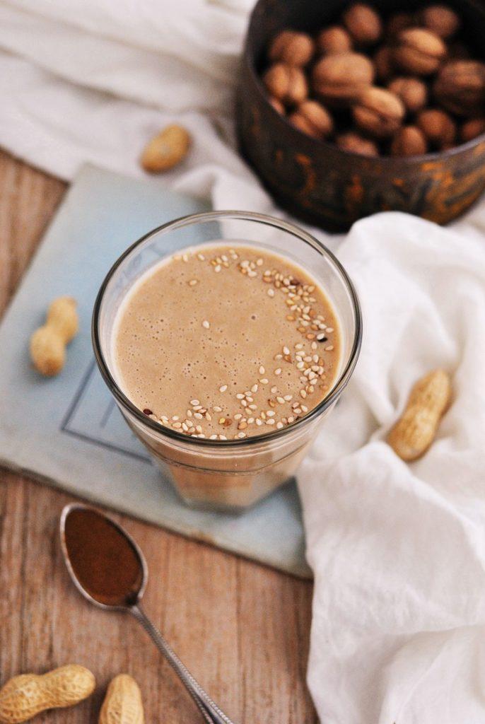Koktajl bananowo - orzechowy z kawą zbożową