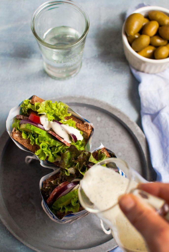kanapka-686x1024 Kanapki z domowym majonezem tymiankowym