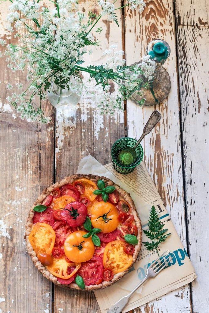 Wytrawna tarta z pomidorami