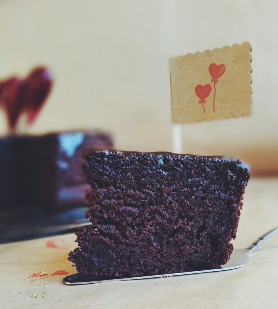 2016-02-07-03.45.38-1-921x1024 Obłędnie czekoladowe ciasto z dodatkiem buraków