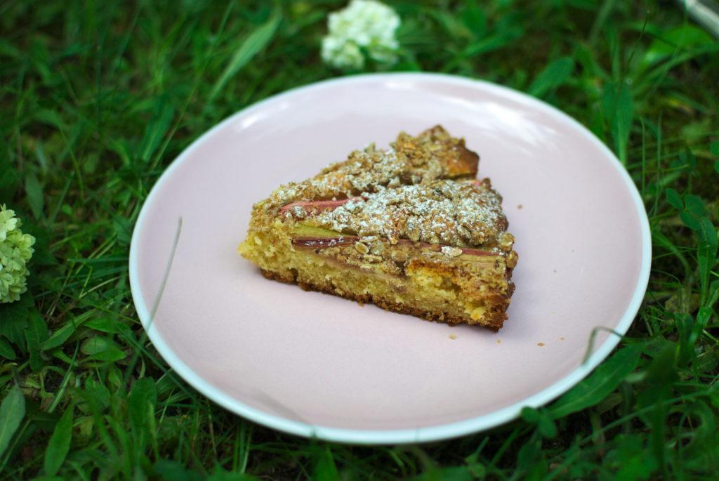 Ciasto-rabarbarowe-1024x685 Proste ciasto z rabarbarem
