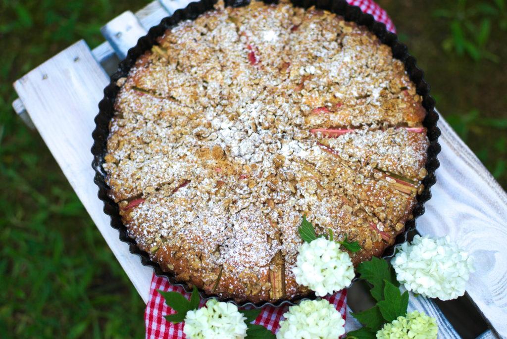 Rabarbar-z-kruszonką-1024x685 Proste ciasto z rabarbarem