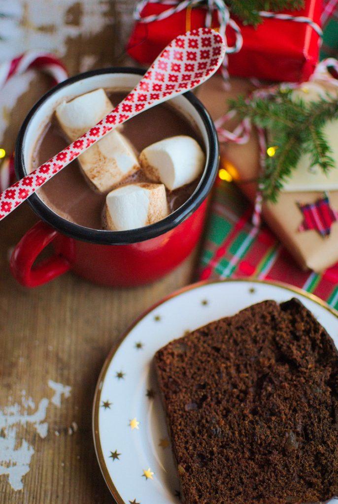 piernik-czekoladowy-686x1024 Piernik czekoladowy z suszoną śliwką i imbirem