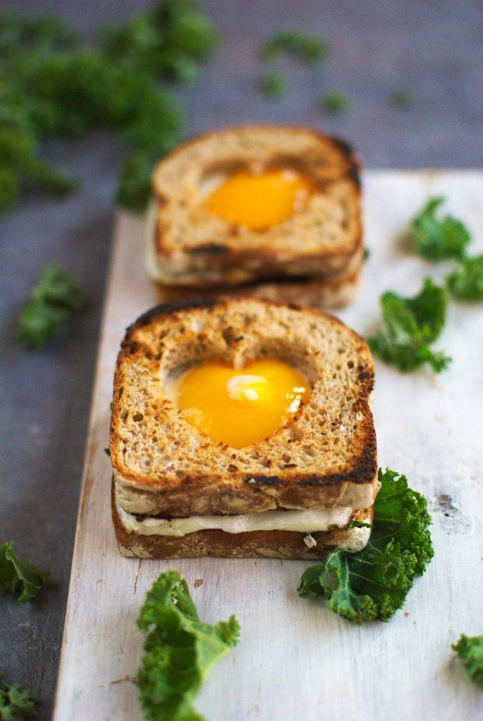 DSC_3369.NEF_-686x1024 Tosty z jajkiem sadzonym i jarmużem