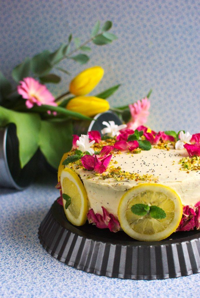 tort-z-lemon-curd-686x1024 Tort cytrynowy z makiem i lemon curd