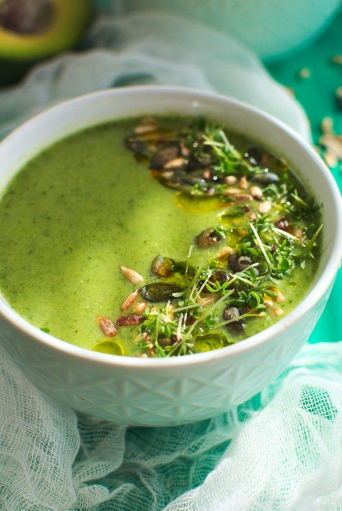 zupa-z-awokado-686x1024 Zupa krem z awokado i jarmużu