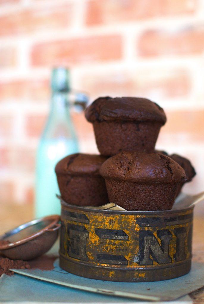 Czekoladowe muffinki z wiśniami
