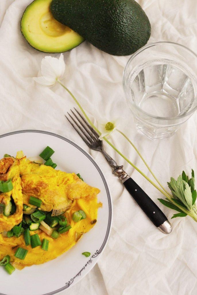 Wiosenny omlet ze szparagami