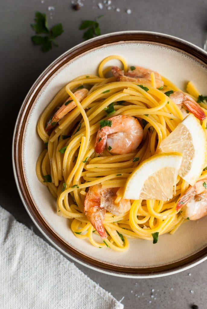 spaghetti-686x1024 Prosty makaron z krewetkami