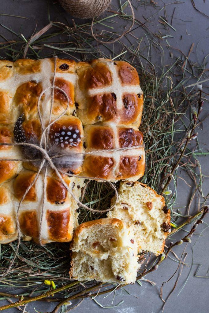 Angielskie bułeczki na Wielkanoc - hot cross buns