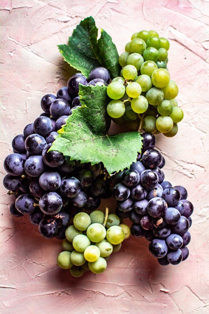 DSC_3031-2-683x1024 Jogurt grecki ze smażonymi w miodzie winogronami i figami