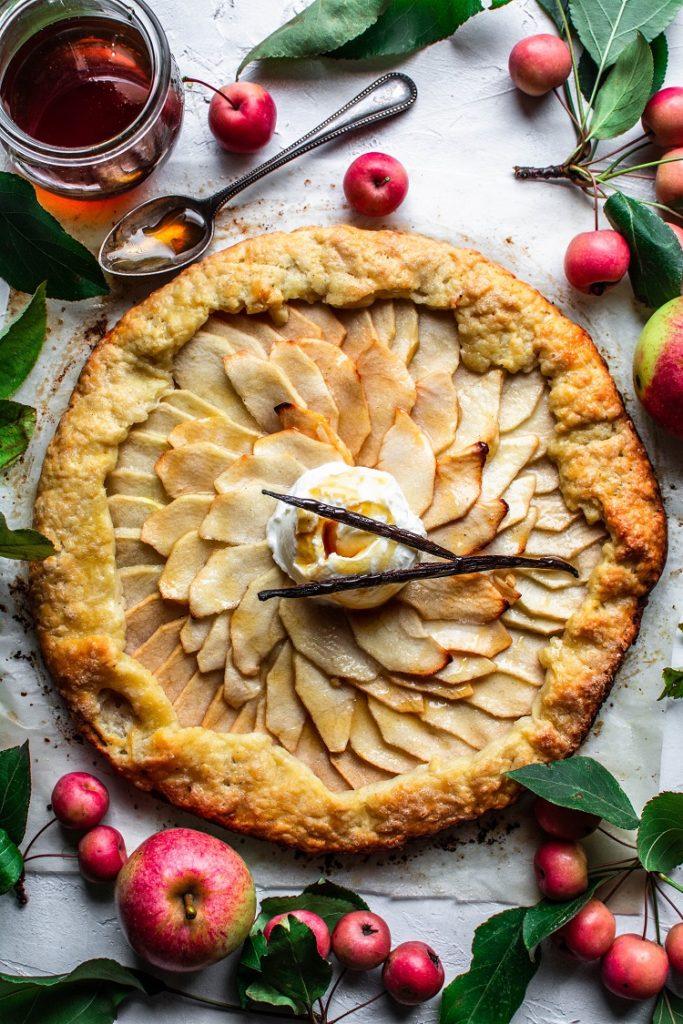 DSC_3424-683x1024 Rustykalna tarta z jabłkami