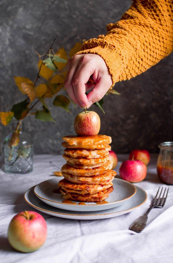 DSC_4544-673x1024 Plastry jabłek smażone w cieście drożdżowym