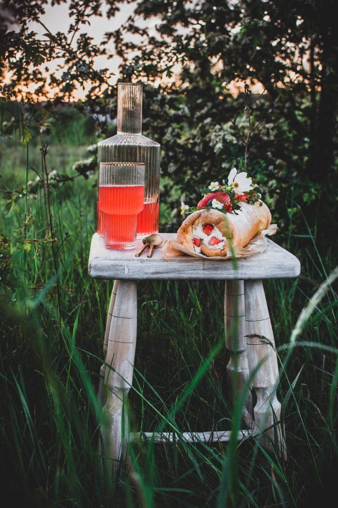 Rolada biszkoptowa z mascarpone i truskawkami