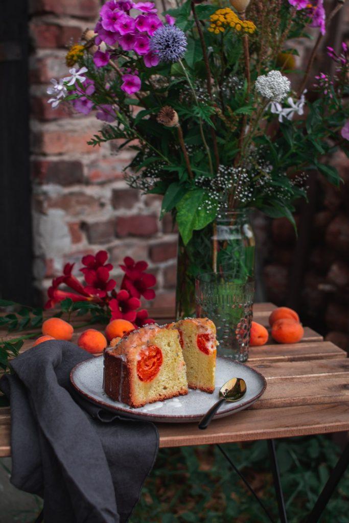 DSC_3008-683x1024 Ucierane ciasto z morelami i lawendą